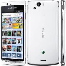 Sony Ericsson Arc S Smart Phone - White LT18i